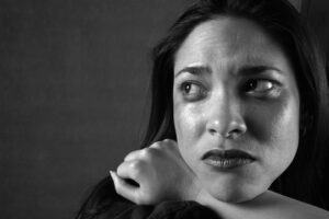 Kvinde føler sig ensom